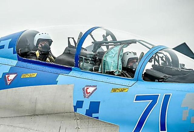 夜間飛行訓練 戦闘機_7