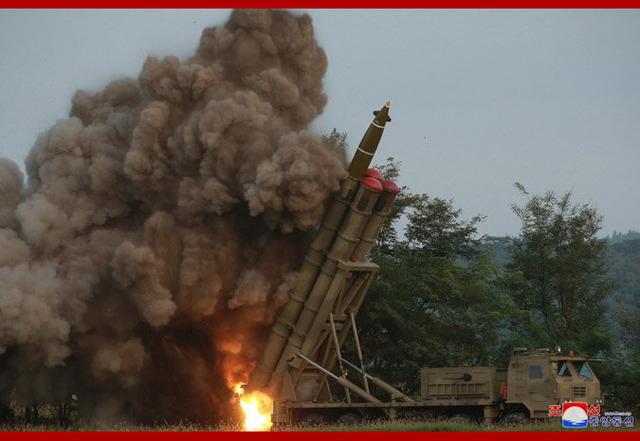 超大型ロケット砲_4