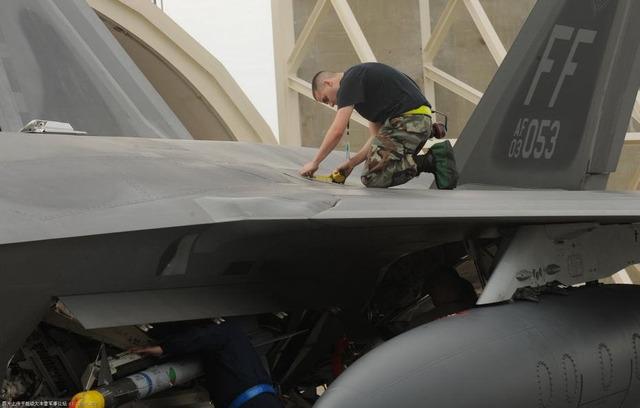 F-20ステルス塗装?_3