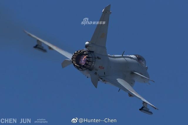 J-10 推力偏向ノズル_5