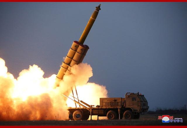 超大型ロケット砲の連射試射_1