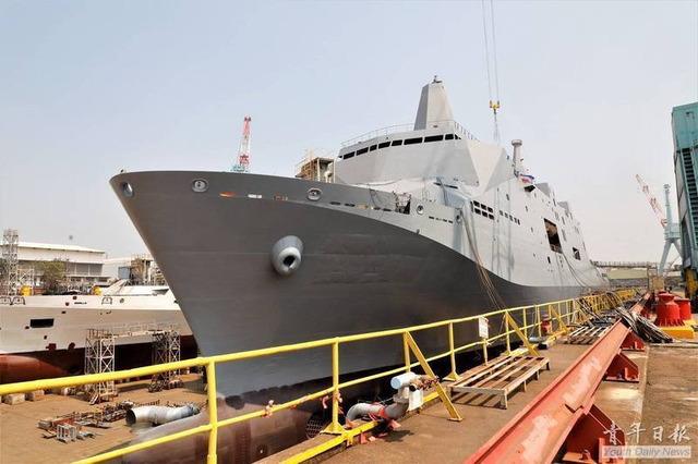 ドック型揚陸艦玉山級_1