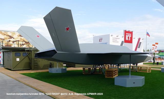 ロシア無人戦闘攻撃機『サンダー』_3