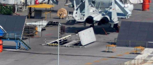 001A型空母 兵器用エレベーター_2