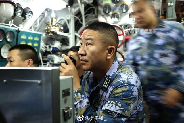 039型潜水艦_3