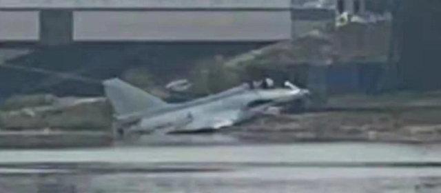 J-10_墜落
