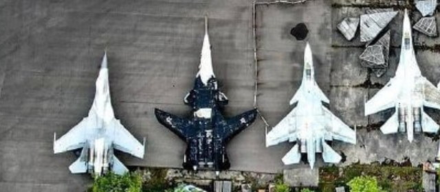 Su-47_Su-35C_3