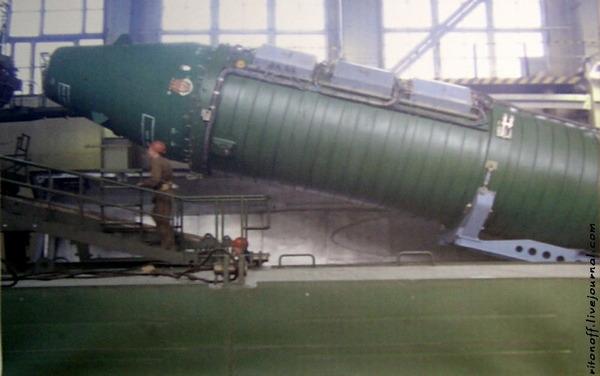 鉄道移動型RT-23発射車両_14