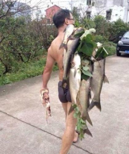 魚を盗む中国人_7