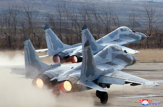 金正恩_空軍_視察_MiG-29_8