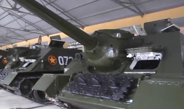 SU-100_4