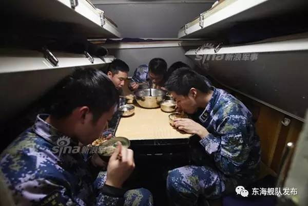 中国の潜水艦と食事_3