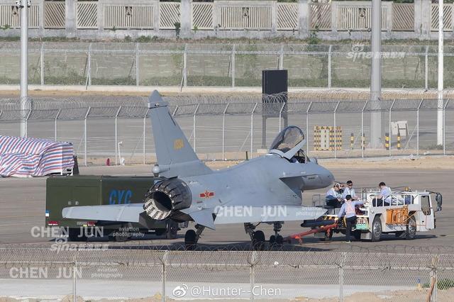 J-10 推力偏向ノズル_2