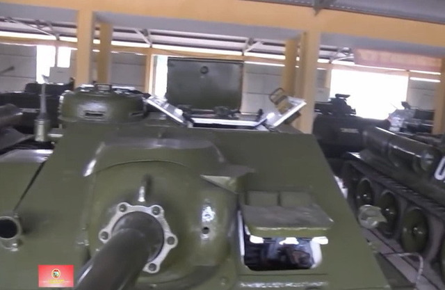 SU-100_3