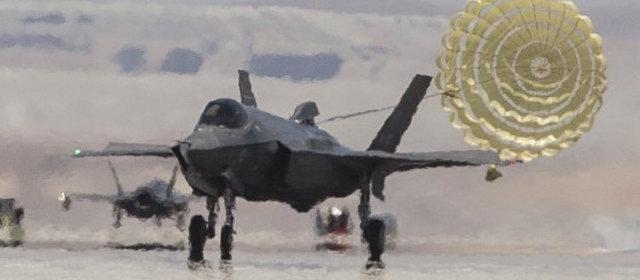 F-35 ドラッグシュート _4