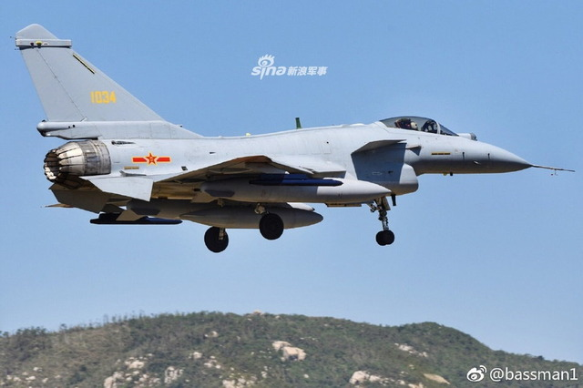 J-10 推力偏向ノズル_8