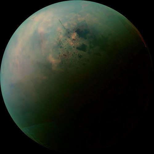 衛星タイタン