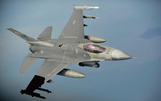 F-16_2