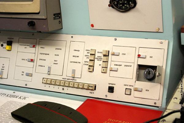 鉄道移動型RT-23発射車両_3