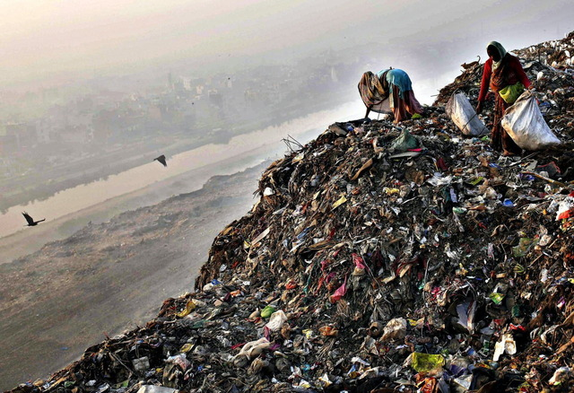 インドのゴミ山_3