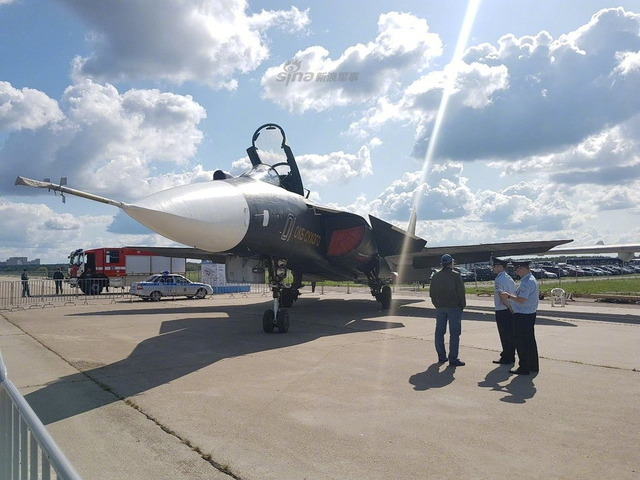 Su-47_6