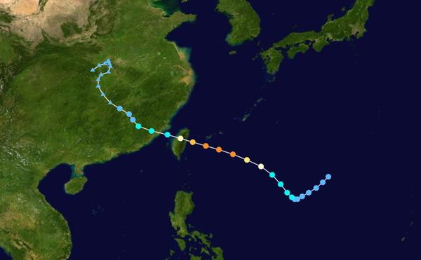 蓮娜台風の進路