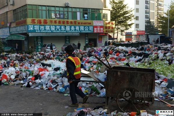 ゴミで溢れる深セン市_4