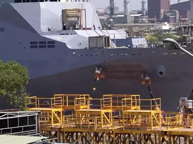 ドック型揚陸艦玉山級_3