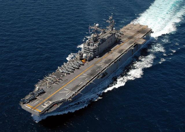 タラワ級強襲揚陸艦