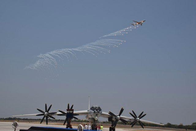 Tu-142MK-E_3