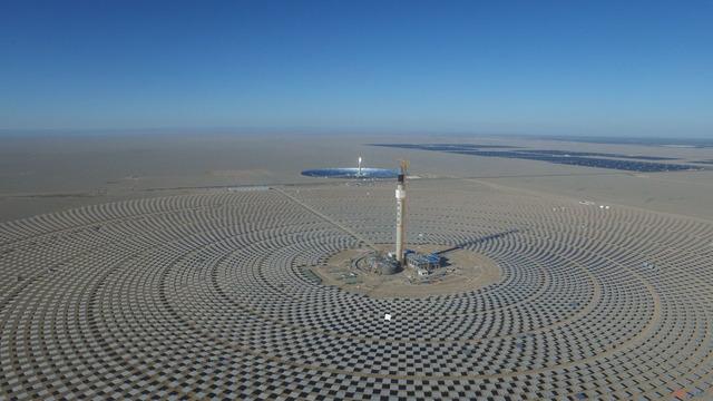 敦煌100MW溶融塩タワー型太陽熱発電所_2