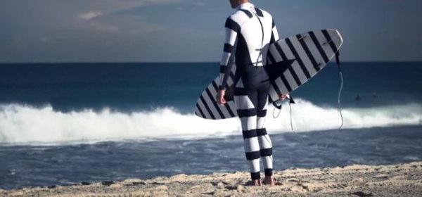 サメに襲われないウェットスーツ