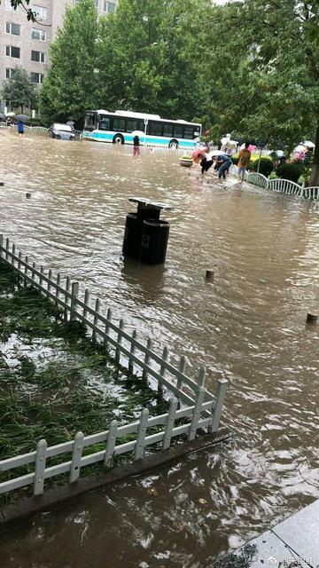 北京豪雨_2