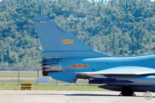 J-10 推力偏向ノズル_7
