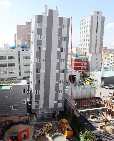 韓国の斜塔
