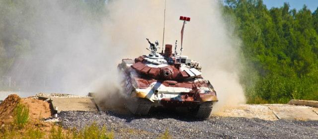 戦車バイアスロン