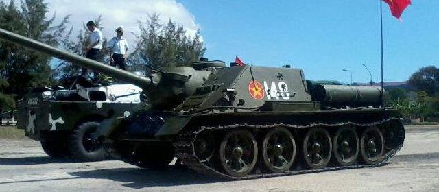 SU-100_5