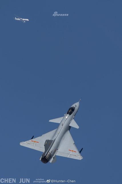 J-10 推力偏向ノズル_3