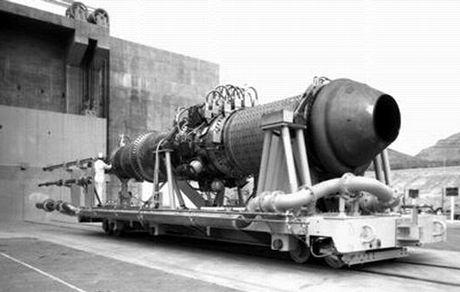 放射能を撒き散らす史上最悪の飛行機c