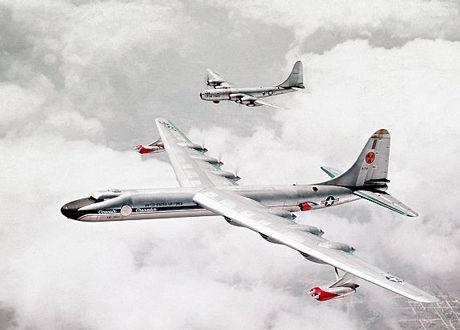 放射能を撒き散らす史上最悪の飛行機ac