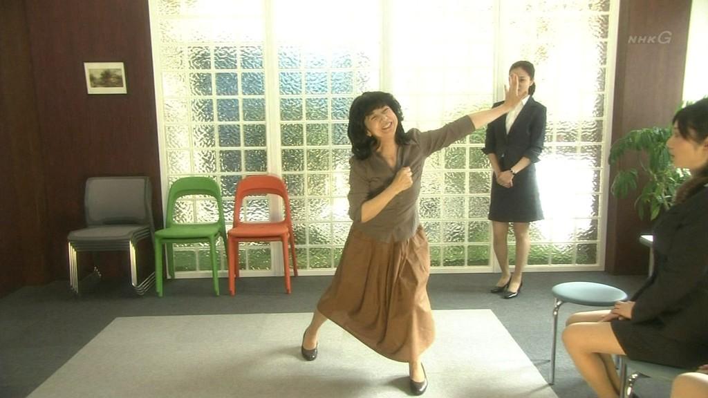 痛いテレビ : 宮崎美子AKBを踊る