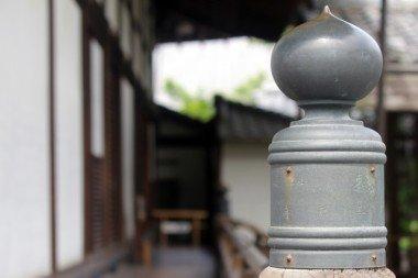 お寺の縁側