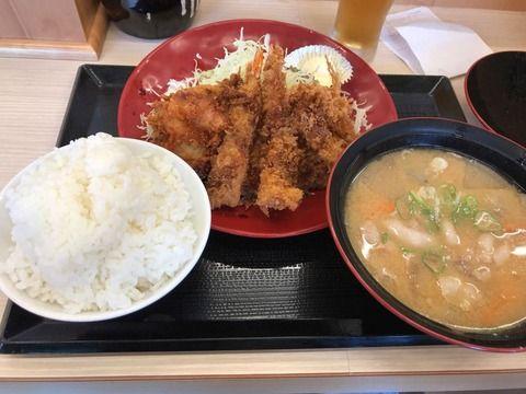 【画像】こんな美味いものが680円で食える日本経済サイコー!!!!!!