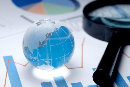 いまどき日本株だけの株式投資なんてありえない。世界中に分散投資が当たり前