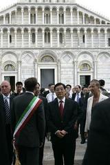 中国胡錦濤国家主席がイタリアから緊急帰国