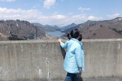 田子倉ダム下流を望む