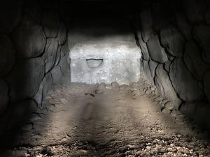30愛宕山古墳石室2