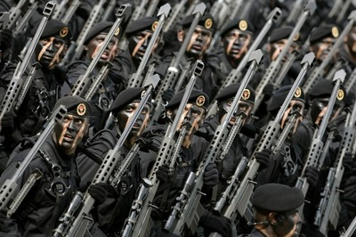http://lumq.com/wp-content/gallery/mexicanarmyspecialforces/mexican%20army%20special%20forces-01.jpg