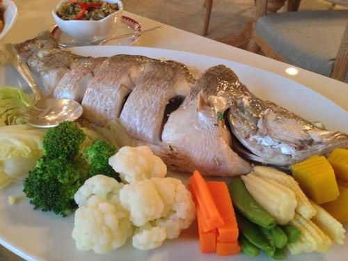 なんとかっていう川魚。連れは苦手だったようだけど美味♪