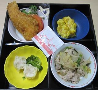 0219肉野菜炒めとエビシューマイ他の弁当